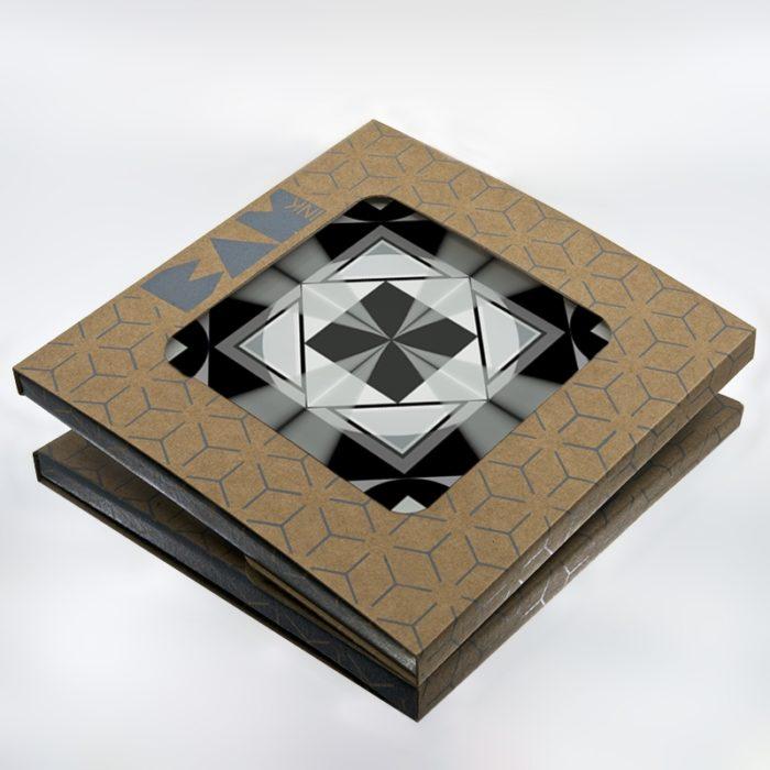 Packaging BAMink officiel avec le sous plat Geometric Center I