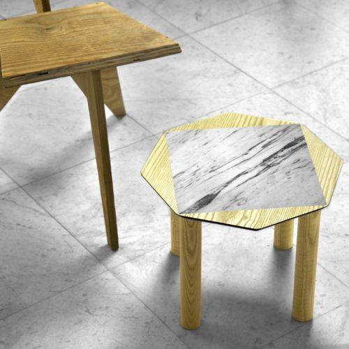 BAMink-table-basse-frêne-Oktō-mise en situation-fond-neutre-Némo Welter-Marbre-I