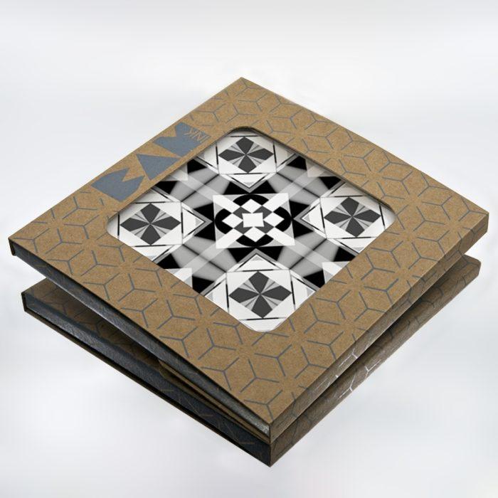 Packaging BAMink officiel avec le sous plat Geometric Center II