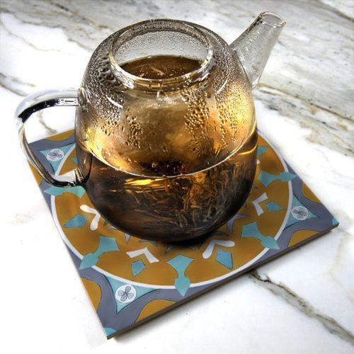 """""""Azulejos III"""" de Pauline Dubisy sur sous-plat en céramique"""