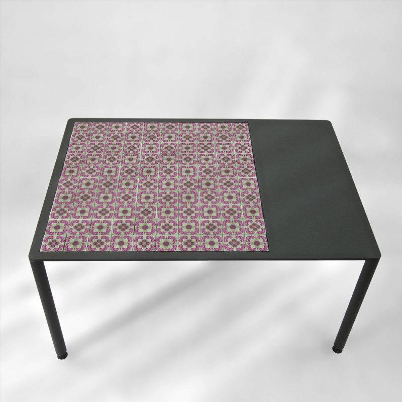 table-basse-BAMosaïc-BAMink-avec-collection-Nemo-Welter-Pink-Flowers-fond-transparent