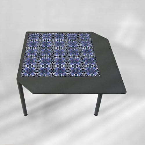 table-basse-acier-BAMosaïc-III-BAMink-fond-neutre-Purple-Geometric