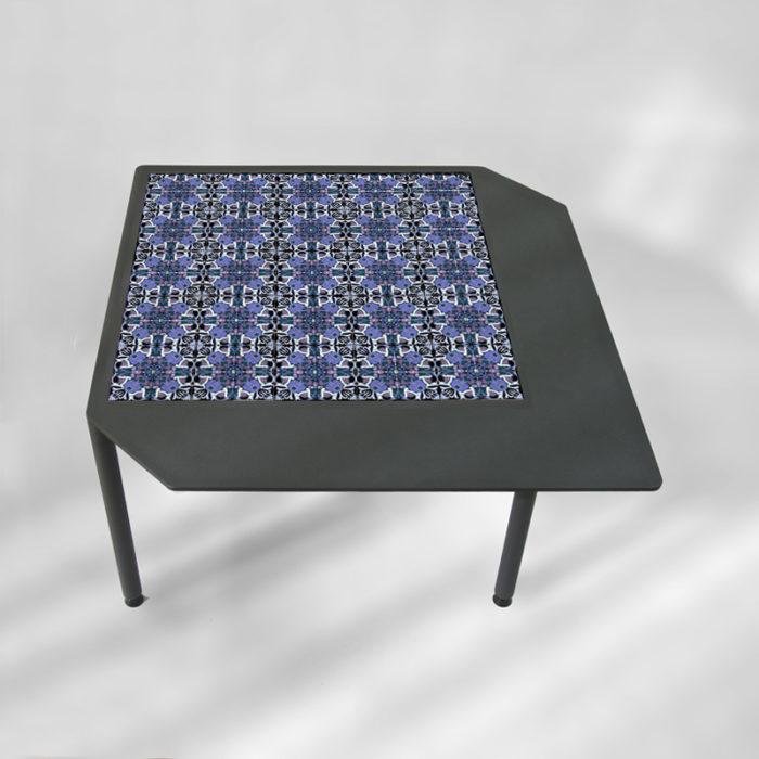 table-basse-acier-BAMosaïc-III-BAMink-fond-neutre-Purple-Geometric