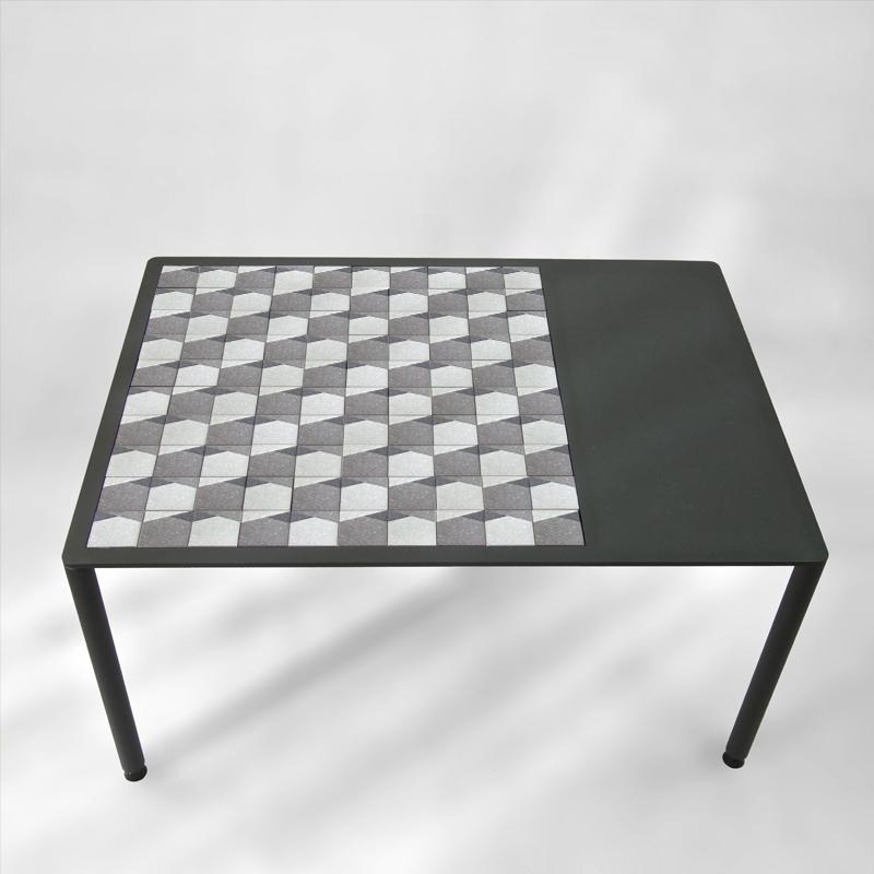 table-basse-BAMosaïc-BAMink-avec-collection-Nemo-Welter-Purple-Geometric-fond-transparent